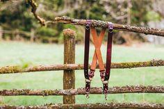 Fotostrap für Zwei Kamera, Büffelleder, Farbe Bordeaux