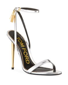 You need to choose wedding shoes that are the perfect match to your gown. Check out these tips to buy the perfect wedding shoes for your big day. Stilettos, Stiletto Heels, High Heels Outfit, Shoes Heels, Cute Shoes, Me Too Shoes, Tom Ford Heels, Fashion Heels, Fashion Fashion