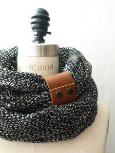 Ultra Chunky  Black circular infinity scarf with camel ...