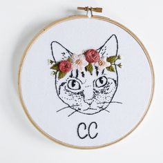 Custom Cat Portrait Embroidery Hoop  par StitchingSabbatical
