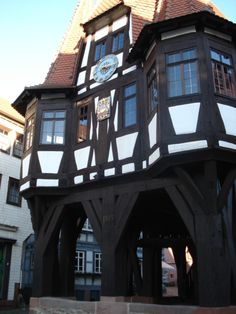 eatloveandlive - Michelstadt with its historical town hall