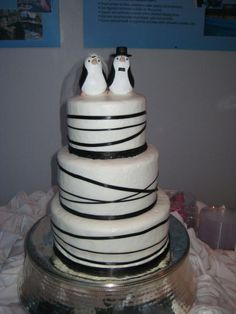 PENGUIN CAKE!!  this for you Charie  <3princess