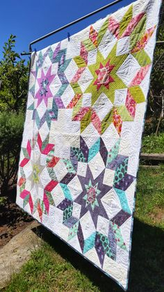 Elven Garden Quilts: Starburst Quilt (Finished and Featured) Lone Star Quilt, Star Quilt Blocks, Star Quilts, Easy Quilts, Big Block Quilts, Straight Line Quilting, Purple Quilts, Medallion Quilt, How To Finish A Quilt