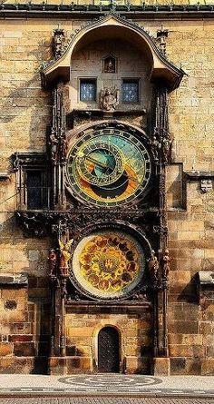 Astronomical Clock in Old Town Square by TravelPod Member Flyin_bayman Praga, Czech Republic