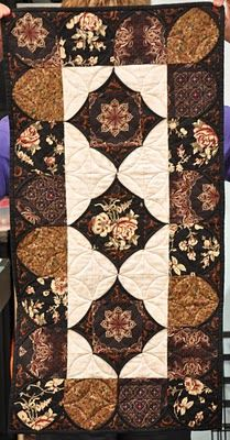 Isn't this a lovely pattern?  Just imagine a quilt like this that covers your bed!  Wow!