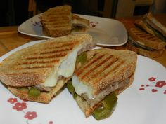 Spicy Steak & Cheese Panini for #WeekdaySupper | Momma's Meals