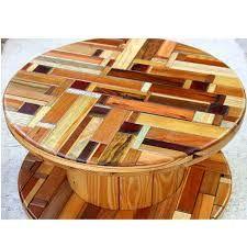Mesa de carretel de madeira Mais