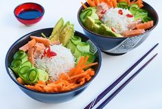 deconstructed sushi bowl, with salmon instead of tuna. Light And Easy Meals, Sushi Bowl, Tuna, Salmon, Sweet, Food, Candy, Essen, Meals