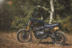A&J Cycles Builds A Steve McQueen-Inspired Triumph Scrambler Custom Moto Triumph Scrambler Custom, Triumph Street Scrambler, Scrambler Motorcycle, Arch Motorcycle, Retro Motorcycle, The Mark Nyc, Build A Bike, Honda, 1200 Custom