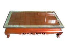 MESA CHINA - Mesa de centro usada na sala da diretoria. Alt. 30 cm, Larg. 112 cm, Prof. 63 cm
