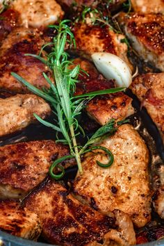 Kruchy schab w sosie własnym (6 składników) - Wilkuchnia Pork Recipes, Healthy Cooking, Food And Drink, Salad, Chicken, Baking, Diet, Pork Sirloin Recipes, Bakken
