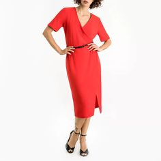 Make a bold statement in this bright bodycon dress with waist belt. It's the ideal dress to take you from the office to after-work drinks. Grad Dresses, Dresses For Work, Cold Shoulder Dress, Bodycon Dress, V Neck, Belt, Fashion, Belts, Moda