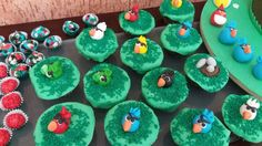 Angry birds cup cakes