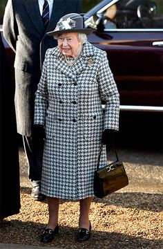 Queen Elizabeth II attends church at St Mary the Virgin church at Hillington in Sandringham on January 2020 in King's Lynn, England. (Photo by Karwai Tang/WireImage) Queen Fashion, Royal Fashion, Meghan Markle, Royal News, Burberry, British Monarchy History, Black Brogues, Vogue, Houndstooth Coat