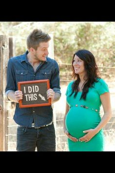 awww i love it too cutee Cute Maternity Photos, Funny Maternity Photography, Sister Maternity Pictures, Baby Bump Pictures, Maternity Shoots, Pregnancy Photography, Christmas Maternity Photos, Maternity Photographer, Photography Tips