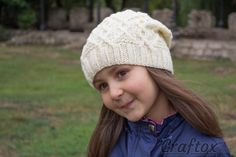 Громоздкая шапочку.  Бесплатный образец вязания.