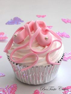 Ballet slippers cupcake