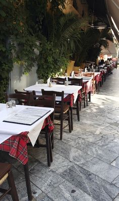Dining al fresco in Athens