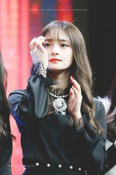 #프리스틴 #결경 #PRISTIN #KYULKYUNG Cr.picturesque Ioi Pinky, She Was Beautiful, Beautiful Women, Pledis Girlz, Korean Celebrities, Ulzzang Girl, Kpop Girls, Jeon Somi, Korean Girl