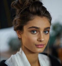 runwayandbeauty: Taylor Marie Hill on set for Raye 2016.
