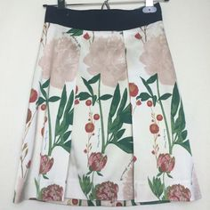 H&M botanical skirt Super cute and flirty floral botanical garden skirt. Pleated front and hidden zip back.  Like new! H&M Skirts