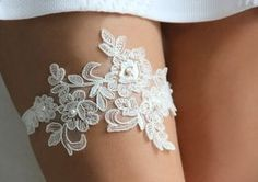 """""""LACE & PEARLS GARTER"""" - Beautiful lace applique is adorned with pearl beads and sewn to the elastic. The listing includes only one garter."""