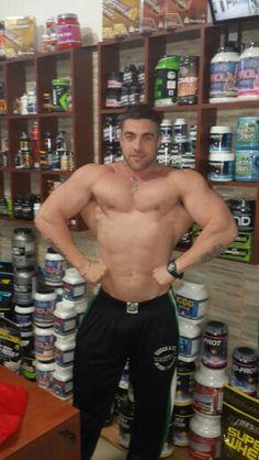 Cristian Zambosco en las tiendas de DeMusculos.com