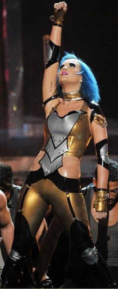 Katy Perry in latex. Love how she takes latex mainstream public! Latex Babe, Women Of Rock, Crazy Outfits, Latex Dress, Future Fashion, Celebs, Celebrities, Skin Tight, Katy Perry