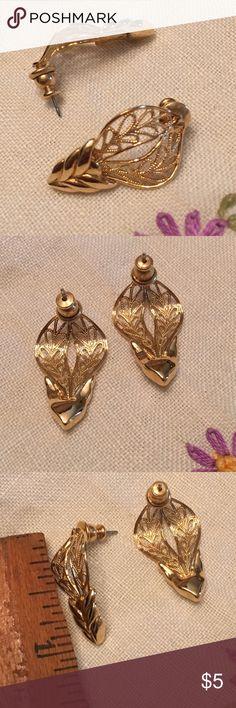 Gold Tone Filigree Earrings Shiny gold tone filigree earrings for pierced ears. Jewelry Earrings