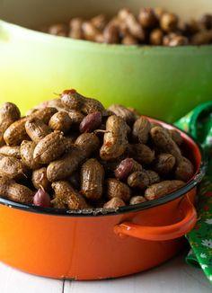 Easy Cajun Boiled Peanuts Recipe Ways! Best Boiled Peanuts Recipe, Crockpot Boiled Peanuts, Roast Peanuts Recipe, Cajun Boiled Peanuts, Peanut Recipes, Cajun Recipes, Crockpot Recipes, Cooking Recipes