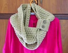 'Crocheting : Cluster Stitch Cuffed Cowl $4.00