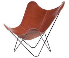 De Mariposa Chair of Vlinderstoel is ook bekend als de BKF Chair, vernoemd naar Bonet, Kurchan en Ferrari, de ontwerpers. De Mariposa Chair is in 1938 ontworpen in Buenos Aires, Argentinie. Hoewel het design meerdere awards heeft gewonnen is er uiteindelijk maar een heel beperkt aantal daadwerkelijk geproduceerd. Twee nooit-verkochte exemplaren zijn jaren later teruggevonden bij Harrods in Buenos Aires. De vinder was Mr. Edgar Kaufmann Jr van het Museum of Modern Art uit New York. Hij kocht…