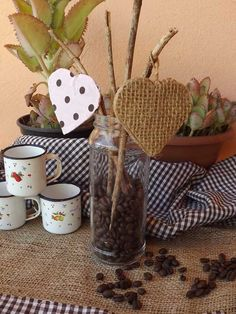 Enfeite para Cozinha com Vidro de Conserva e Grãos de Café