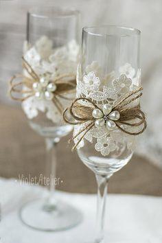 Encaje tostado flautas perla flores boda champán por VioletAtelier