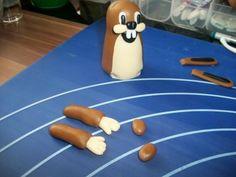 příprava na dort krtečka a paraplíčko , figurky, fotopostupy | Dorty od mamy Clay Art, Fondant, Breakfast, Cake, Desserts, Fimo, Play Dough, Birthday, Figurines