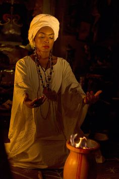 Pin for Later: The 23 Stars Who Keep Popping Up on American Horror Story Angela Bassett as Marie Laveau in Coven