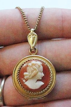 Antique 14K Gold Filled Cameo Locket Pendant Necklace
