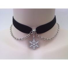 White SNOWFLAKE Charm With Chain - BLACK 16mm Velvet Ribbon Choker... ($7.09) ❤ liked on Polyvore featuring jewelry, necklaces, choker, accessories, heart chain necklace, snowflake necklace, heart choker necklace, chunky choker necklace and velvet choker