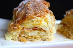 One of my favorite Colombian desserts is Milhojas, a pastry delight. It is a popular dessert in Latin America and there are many different variations. Colombian Desserts, Colombian Cuisine, Filipino Desserts, Colombian Dishes, Pastry Recipes, Cooking Recipes, Dessert Recipes, Columbian Recipes, Spanish Desserts