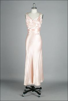 More clothing inspiration - this GORGEOUS but tiny vintage 1930s dress