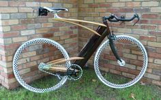 A wooden fixie, cargo bikes, a social statement, and more – Bicycle Design Wooden Bicycle, Wood Bike, Bicycle Art, Velo Design, Bicycle Design, Fixed Gear Bike, Bike Run, Cycling Gear, Road Cycling