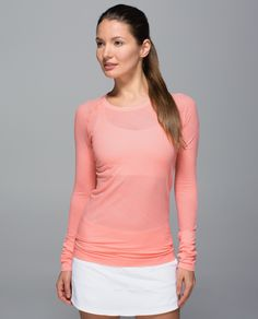 Be cool. Seriously, be really cool. We designed this soft, lightweight top to keep us comfortable during tough workouts and long runs. Lightweight fabric and stink-free technology combine forces to wick sweat so we can beat the heat.