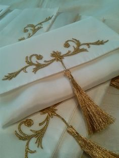 Ribbon Embroidery, Embroidery Designs, Suit Covers, Prayer Rug, Gold Work, Bridal Flowers, Sewing Projects, Dream Wedding, Creations