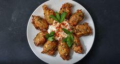 Ντοματοκεφτέδες από τον Άκη Πετρετζίκη. Υπέροχοι, γρήγοροι και τόσο γευστικοί. Είναι ιδανικοί για γεύμα, ορεκτικό, για ένα γρήγορο σνακ ή για το πάρτι σας!!