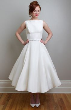 Linda - The most iconic dress in the collection, this mid century modern wedding dress works for every body type! A