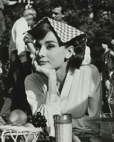 """""""Happy Audrey Hepburn photographed during production of Love in the Afternoon, Aubrey Hepburn, Audrey Hepburn Photos, Audrey Hepburn Style, Hollywood Glamour, Classic Hollywood, Old Hollywood, Divas, Viejo Hollywood, Photographie Portrait Inspiration"""