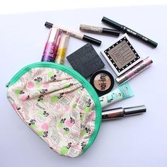Our #fotd in a cute Benefit makeup bag. Perfect for traveling or brining touch up products on the go! #benefit