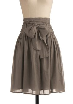 So pretty. If I was a teacher, I would wear skirts like this