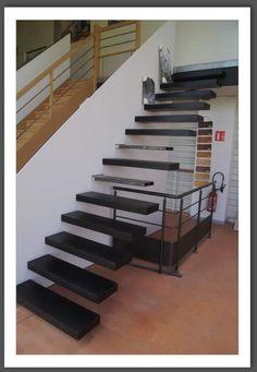 solution pour escalier suspendu , limon sans contact du mur pour construction BBC