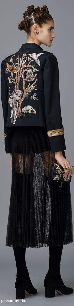 Valentino Pre Fall 2016 #ricamo #madeinitaly #embroidery